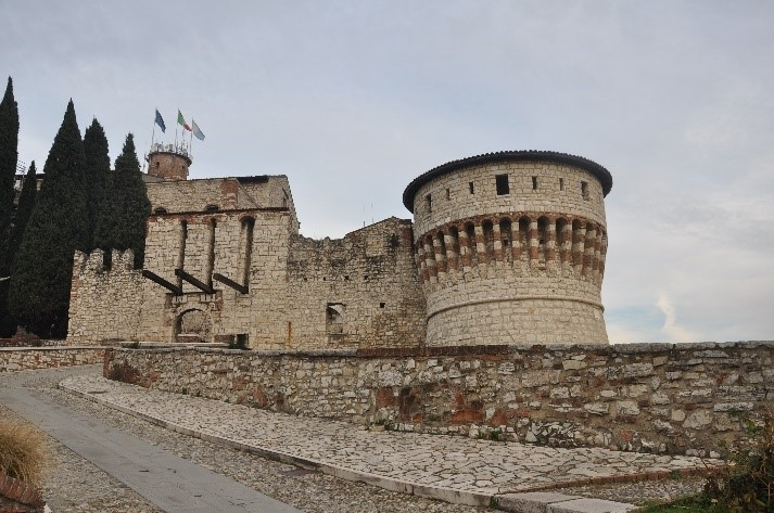 THE CASTLE AND THE WEAPON MUSEUM